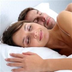 Как перестать ворочаться и начать спать? 8 летних советов