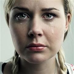 Коли люди використовують сльози для маніпуляції